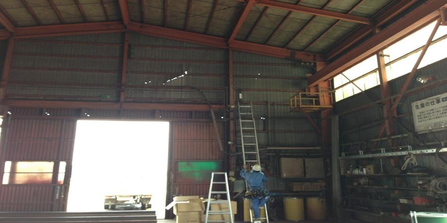 阿賀野市:鉄工業 水銀灯からLED照明に交換工事前の様子