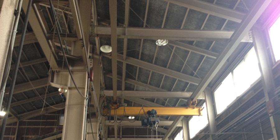 燕市:機械部品製造業 水銀灯からLED照明に交換工事前の様子