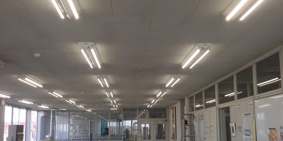北蒲原郡:製造販売業 水銀灯からLED照明に交換工事後の様子