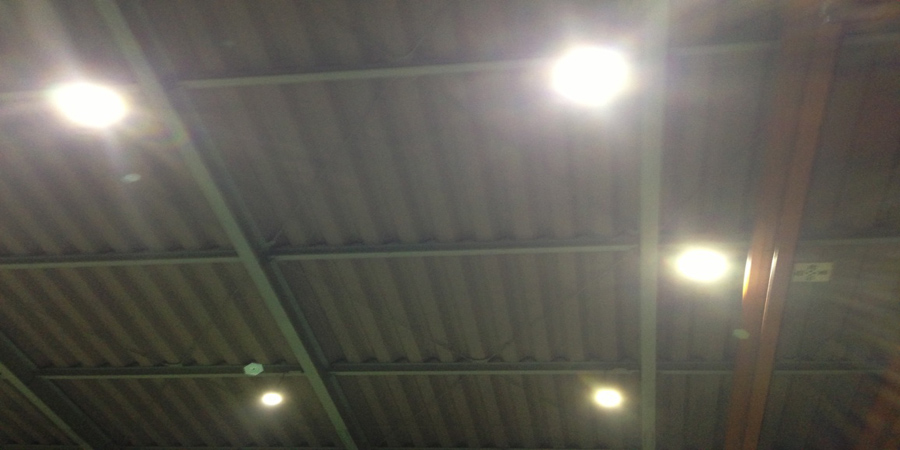 阿賀野市:鉄工業 水銀灯からLED高天井用照明×10灯に交換工事
