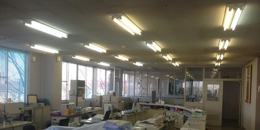 北蒲原郡:製造販売業 水銀灯からLED照明に交換工事前の様子